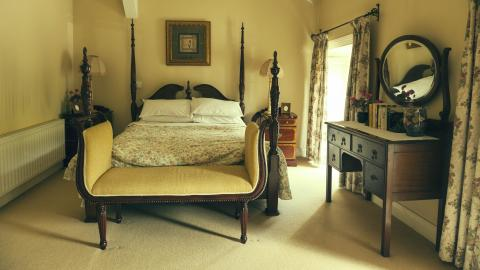 Glenbeigh Hotel  bedroom